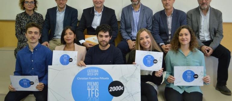 Christian Fuentes ha recibido su premio al mejor TFG del curso 2017/18